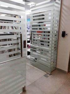 شركة صيانة ابواب زجاج الرياض